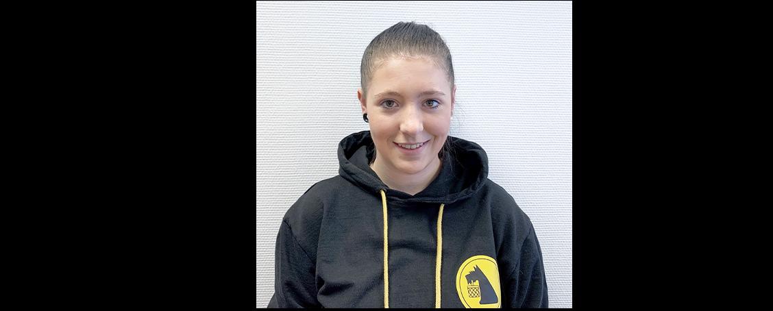 Francine-Millane (18)2. LehrjahrFachlageristin